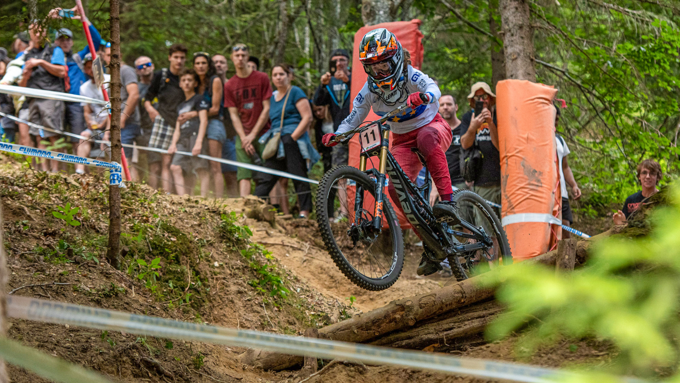 Balanche wird Dritte am Downhill-Weltcup in Val di Sole 2019