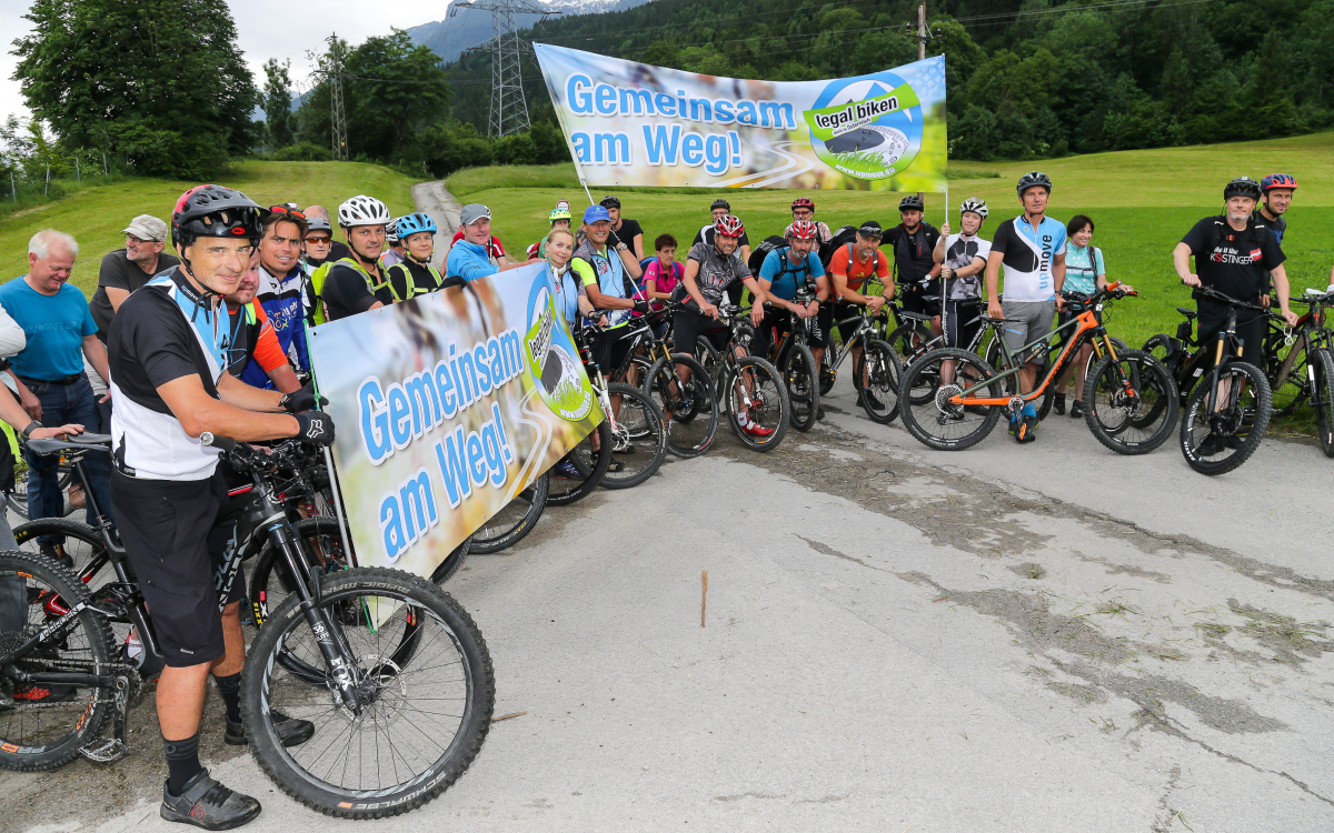 Mountainbiker Demonstration Fahrverbot Salzburgerland 2019