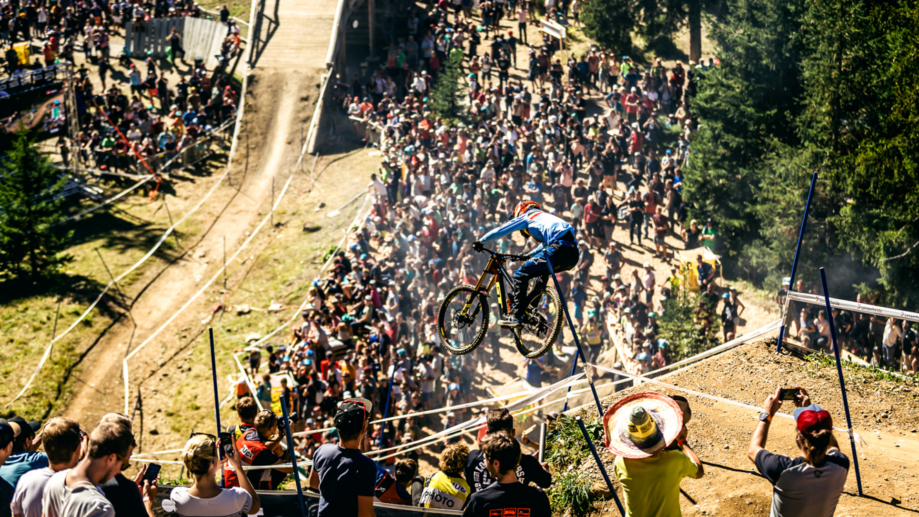 Martin Maes Downhill Vize-Weltmeister UCI 2018