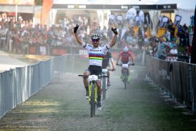 Nino Schurter Bike Days by Michael Suter