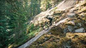 Rémy Metailler vs. Drone in Squamish BC Mountainbike Trail